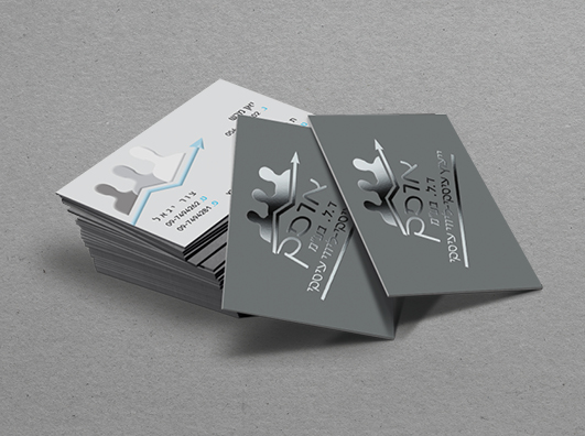 כרטיסי ביקור עם לכה סלקטיבית מובלטת